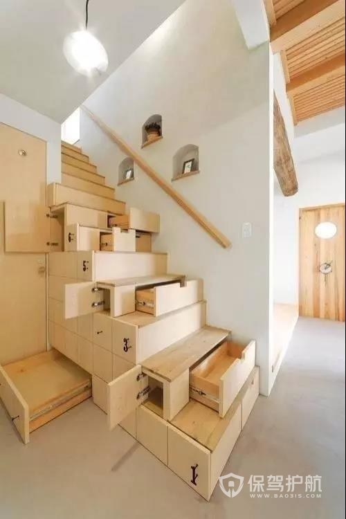 原来楼梯还能这么装,别人家的楼梯收纳功能这么强大,后悔装早了。