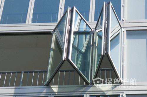 双层玻璃窗怎么清洗?双层玻璃中间起雾怎么办?