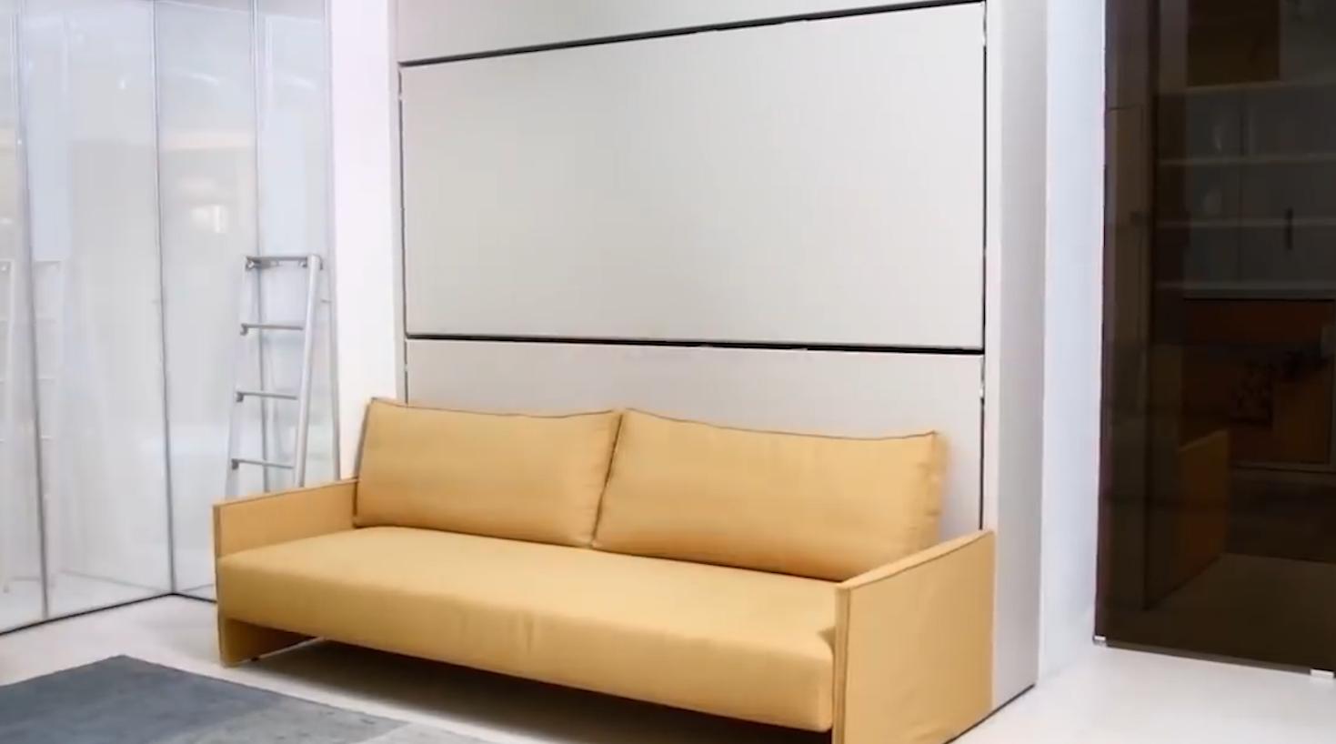 多功能变形床  将沙发和床的功能结合起来,既能变成沙发,也能变成床