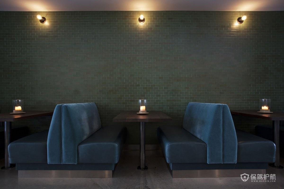 复古风西餐厅桌椅布局效果