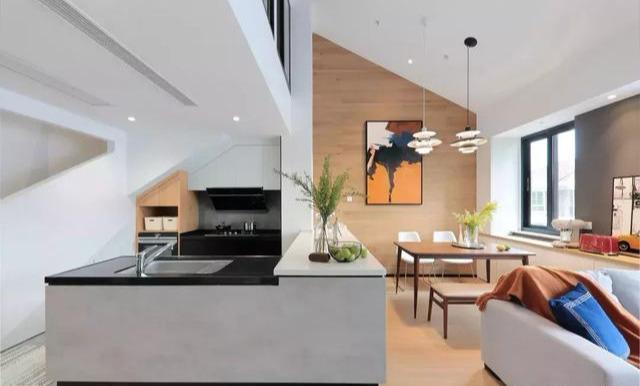 奇葩顶楼户型,爆改成简约风格豪宅,完工后谁看了都羡慕