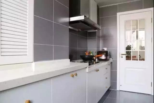 """告别油腻老化,旧厨房装修改造变身清新烹饪""""吃货天堂""""!"""