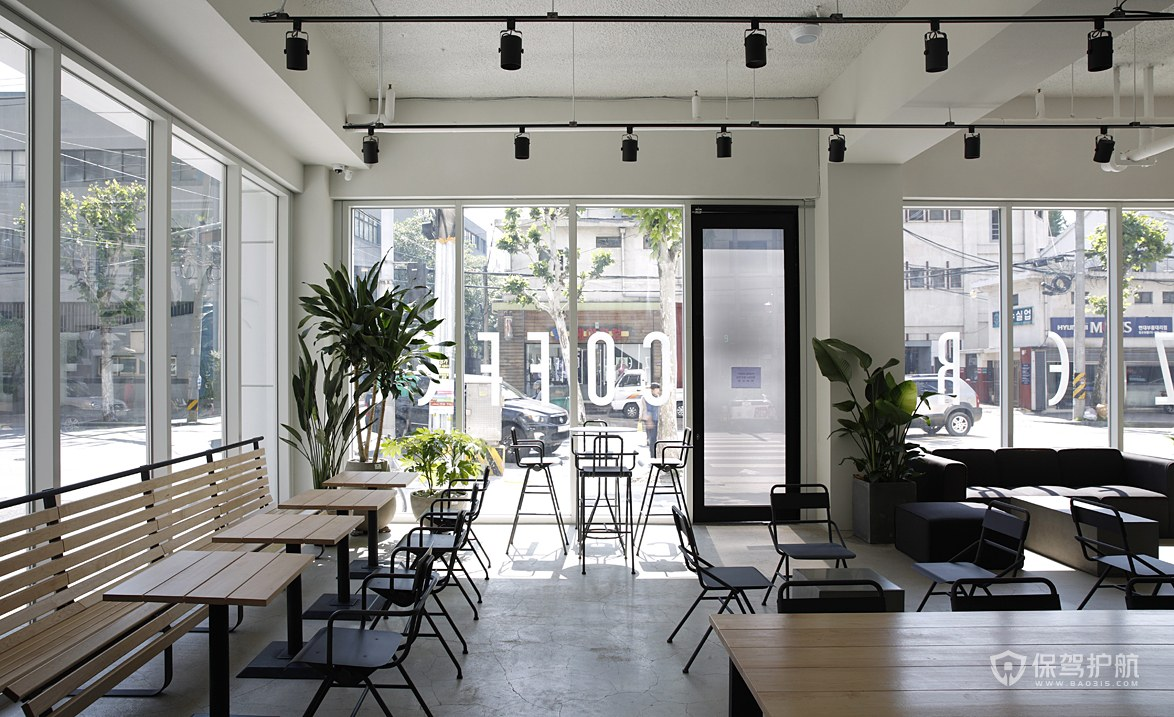 冷淡系咖啡馆桌椅布局效果