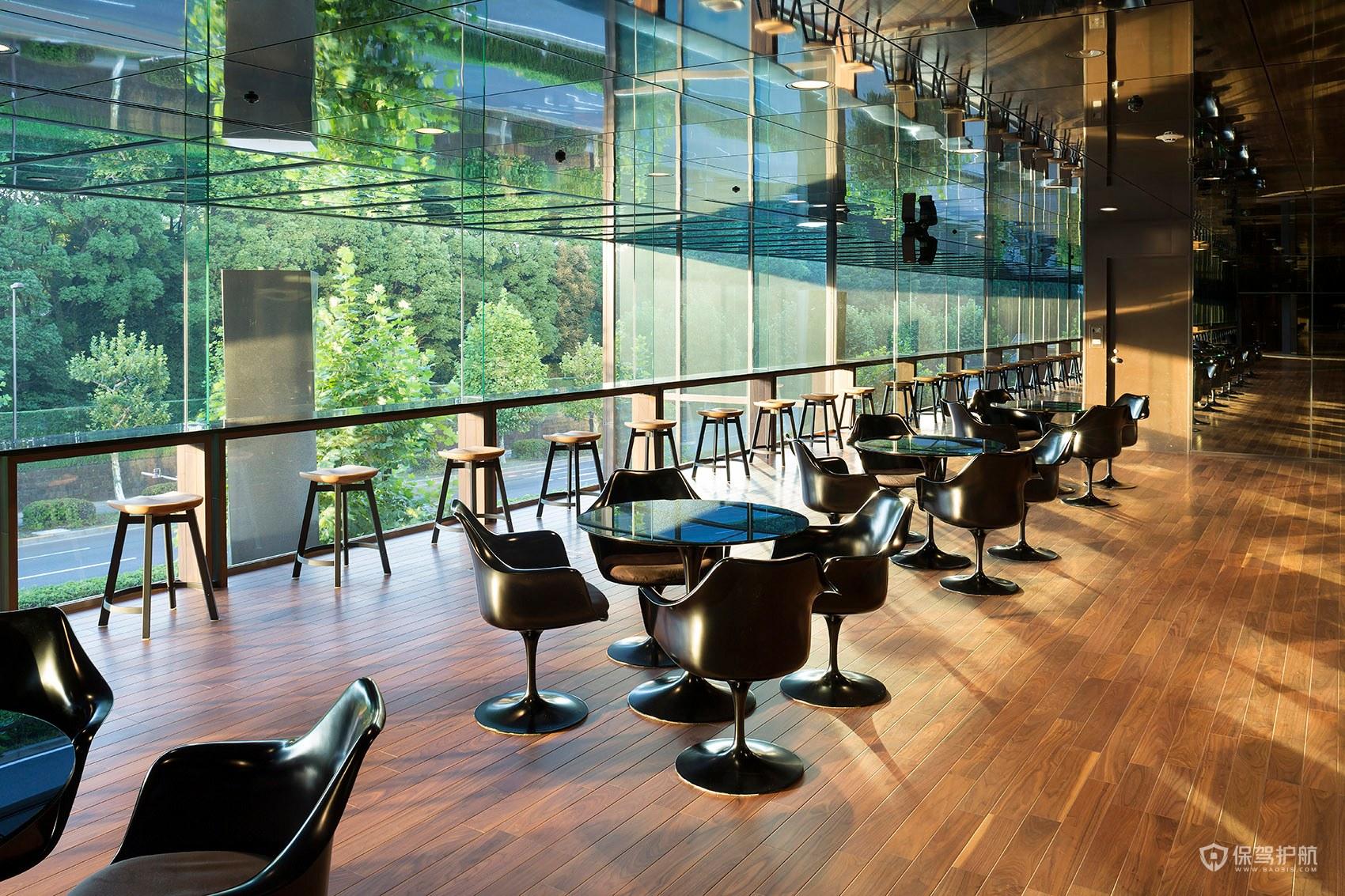 大气奢华咖啡馆窗边布景效果