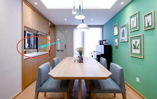 120㎡老公親自設計,廚房打通加傳菜口,電視墻裝修設計好機智