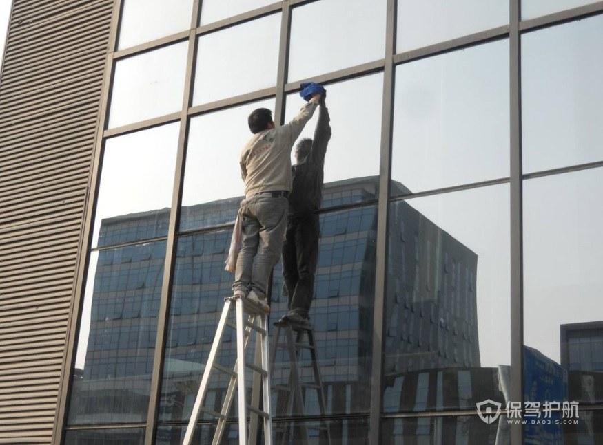 高层楼房怎么擦外玻璃? 高层楼房擦外玻璃方法