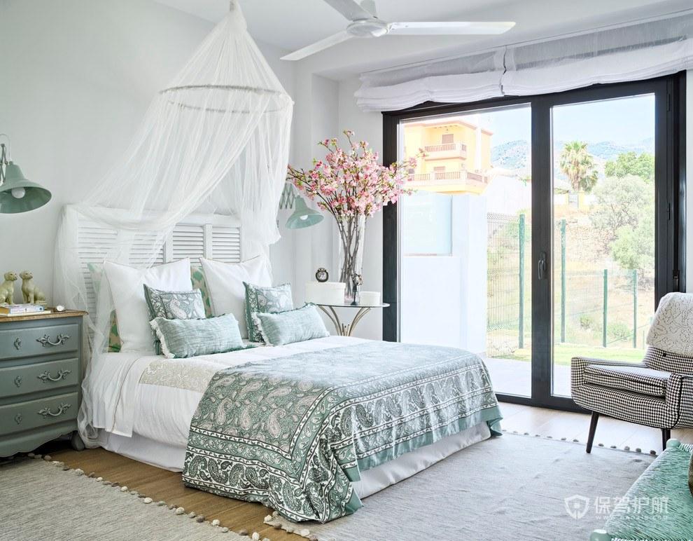 法式清新女生卧室装修效果图