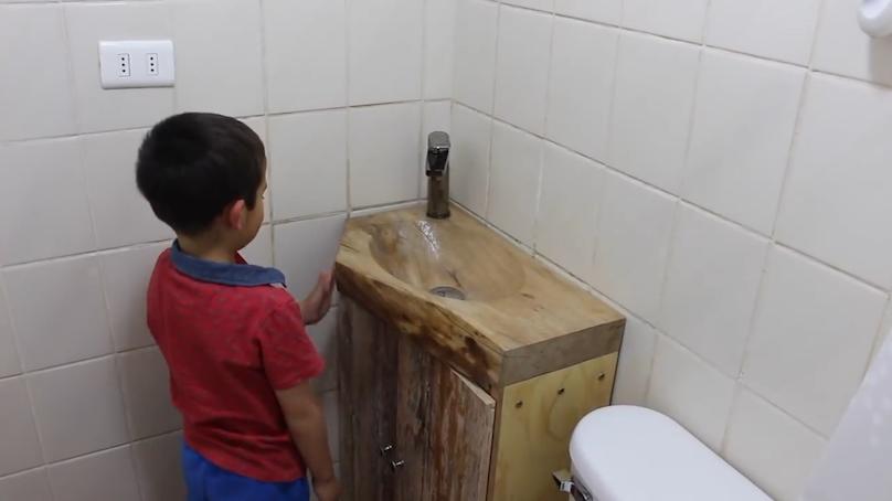 木质洗手台 做出最别致的样子,试想一下洗个手都要这么精致,那得是位多追求完美的人啊