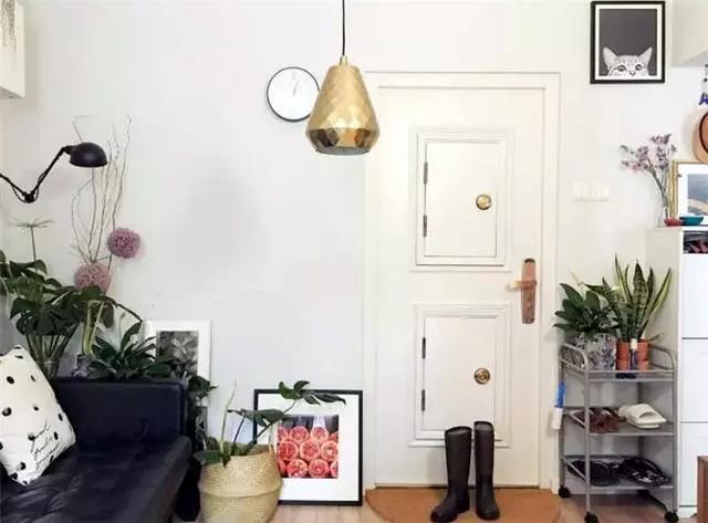 35㎡小户型巧妙装修设计 2㎡卫生间也能塞下浴缸
