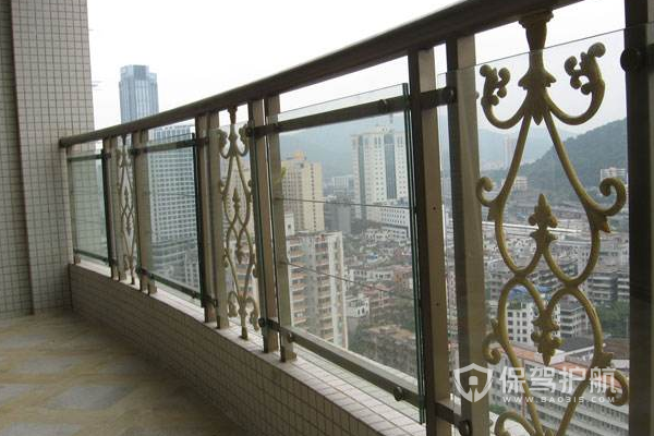 阳台护栏高度标准,阳台护栏材料选择
