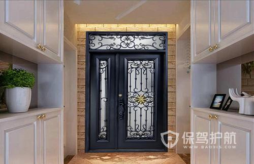 入户门什么材质好?入户门铁门好还是木门好?