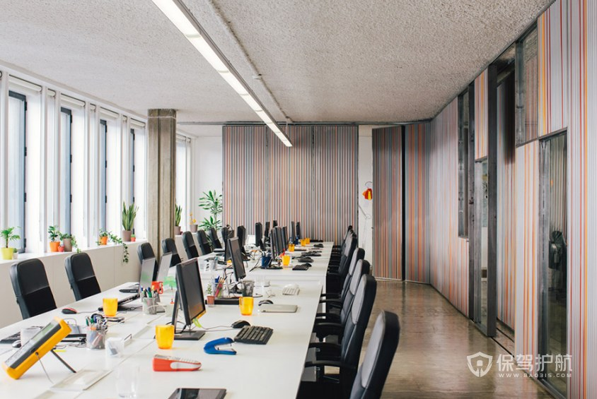 开放式办公室办公区装修效果图