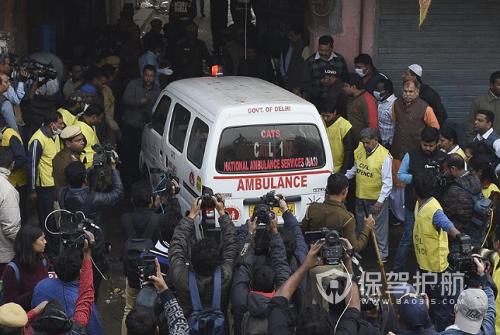 印度新德里火災造成至少43人死亡 多數為在工廠里睡覺的工人