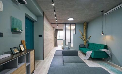 38㎡老房装修改造,把树种到客厅里,朋友和邻居都没见过这样设计的灯