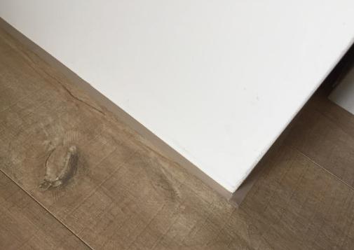 细节成就完美,手把手教你家里装修怎么装脚踢线才显得有档次