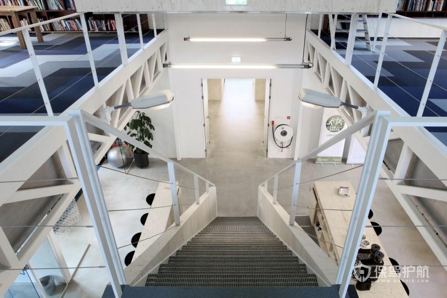 开放式办公室楼梯装修效果图