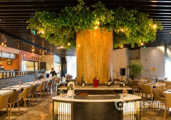 现代原木简约风餐厅装修效果图