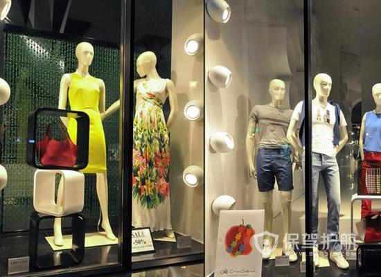 简欧风格服装店橱窗设计效果图