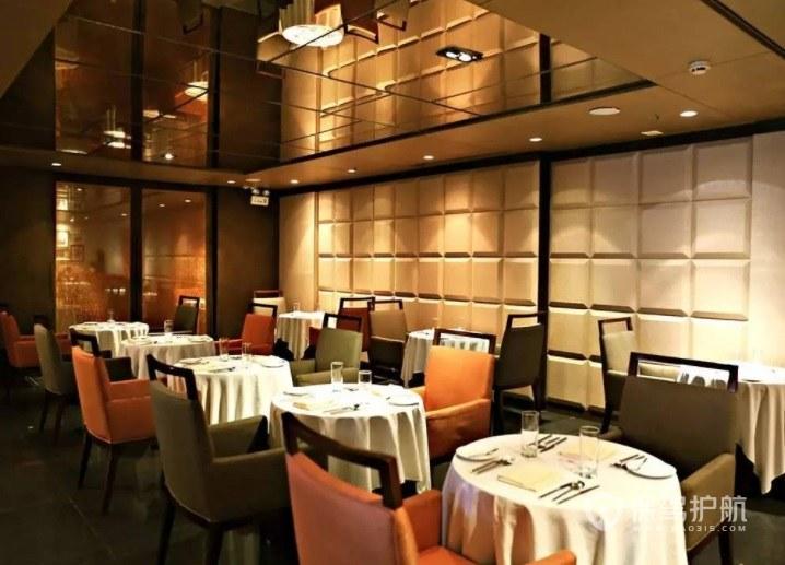 欧式创意轻奢风餐厅装修效果图