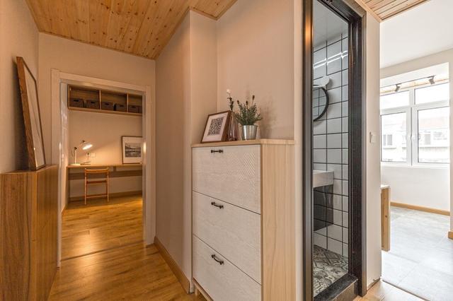 53㎡老房装修改造案例,别看面积小,卧室、书房、客厅三合一,超实用