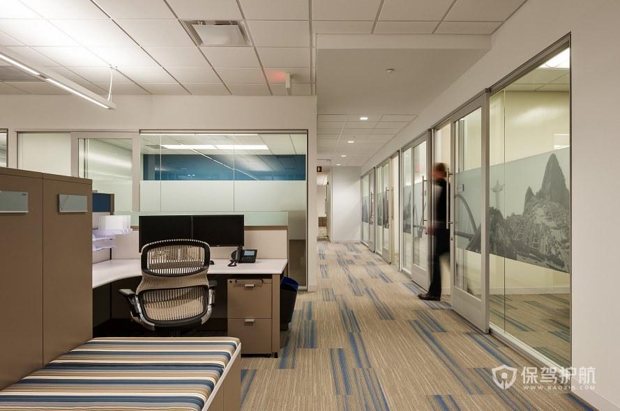 极简风格办公室工位装修效果图