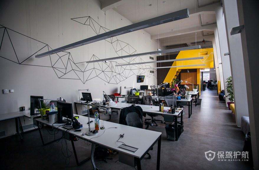欧美开放式办公室办公区装修效果图
