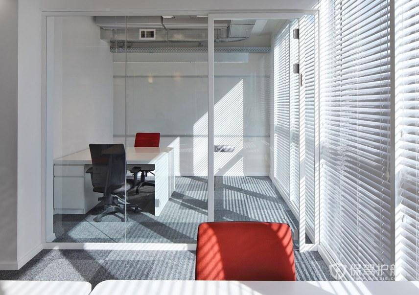 现代简约办公培训室装修效果图