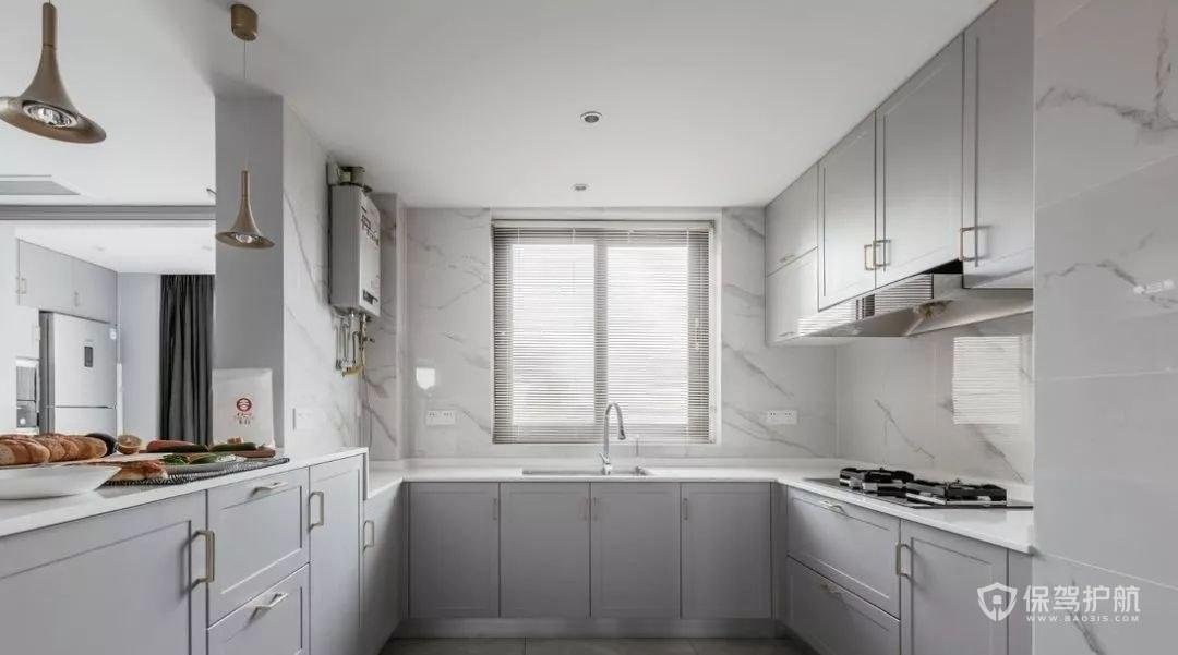明亮通透厨房橱柜装修效果图