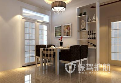 平米简约风格装修效果图     在餐厅的右侧设计了一款简单的白色酒柜