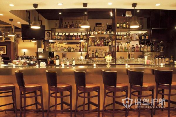 酒吧吧臺如何做有特色?酒吧吧臺裝修材料有哪些?