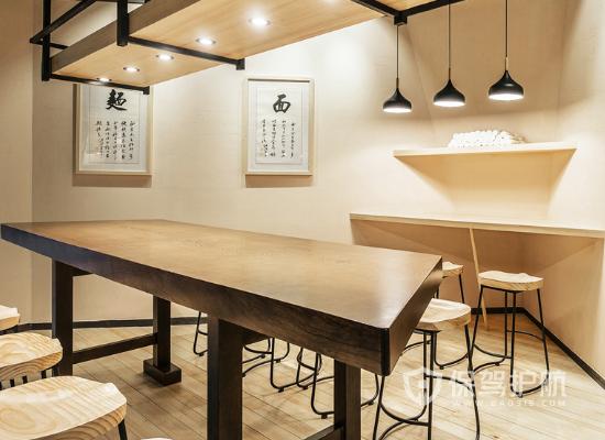 混搭原木风格小吃店桌椅设计效果图