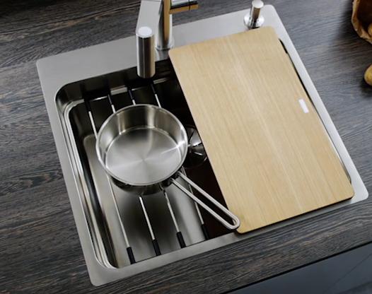 厨房水池选了单槽,但却可以用出双槽的范儿