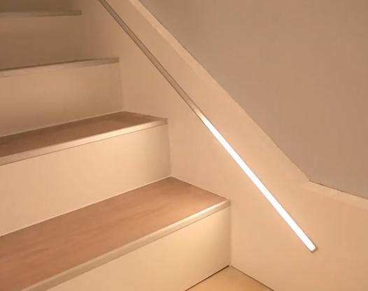 楼梯感应灯这样设计 高颜值又实用