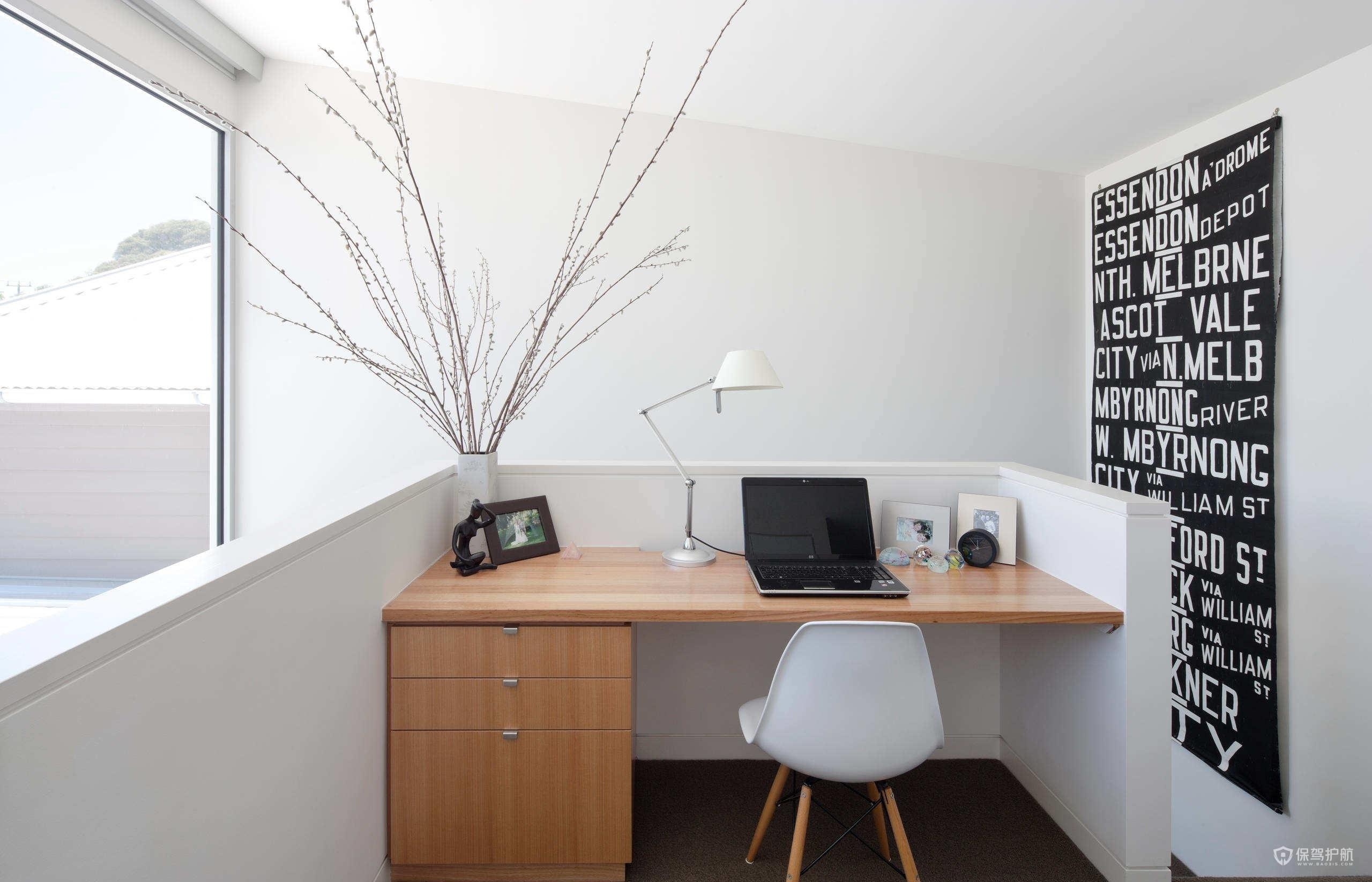 白色極簡風公寓小書房裝修效果圖