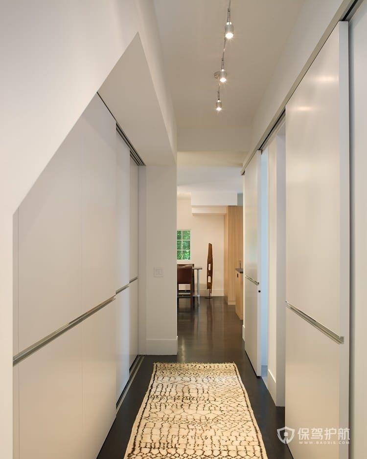 极简风小复式走廊装修效果图