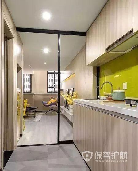 32㎡單身公寓,設計師巧妙改成復式樓,輕松住下三口人!