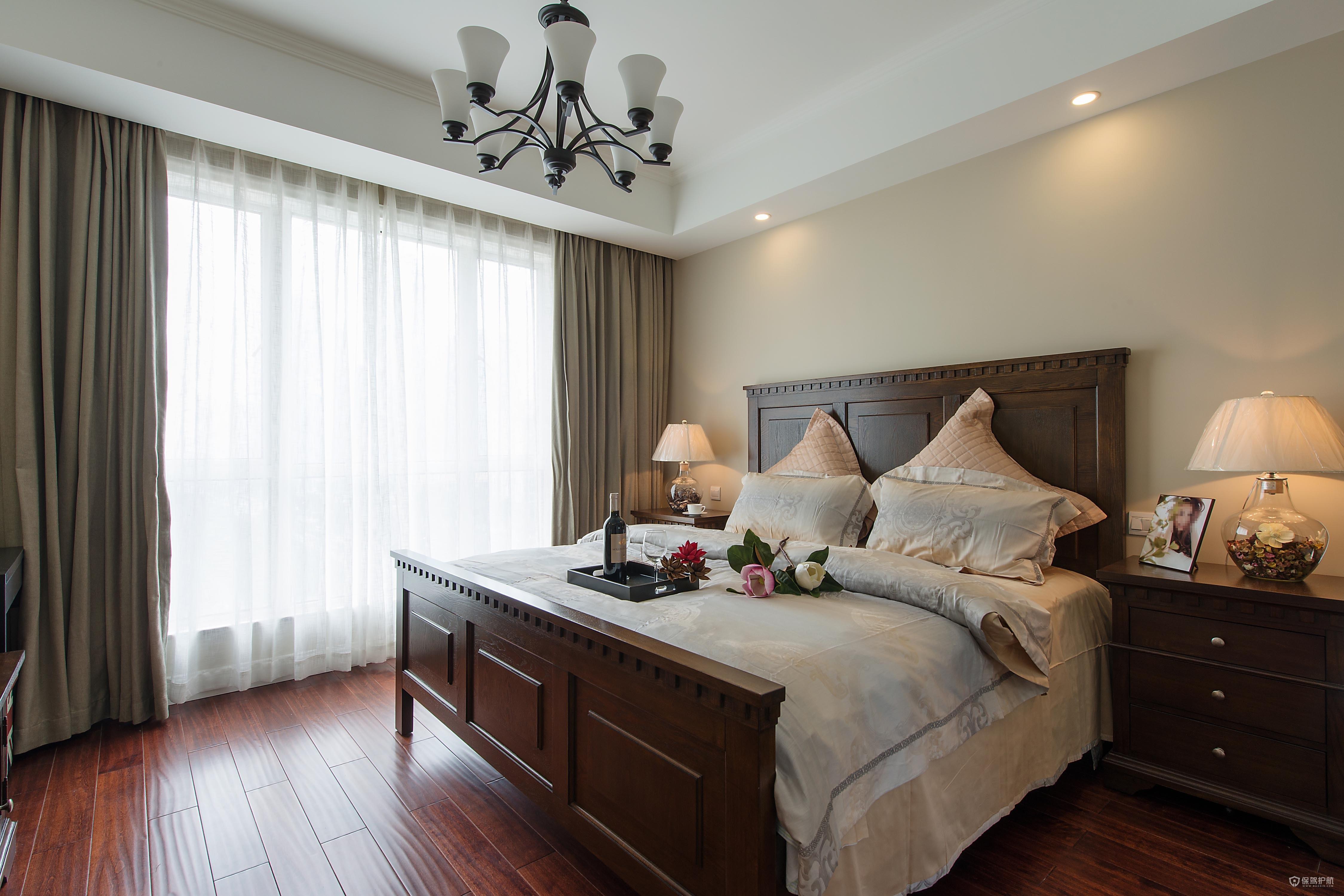 復古美式三居室臥室裝修效果圖