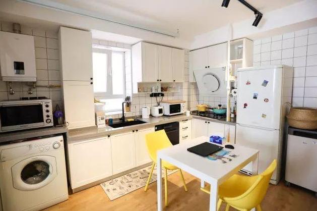美妝博主改造30㎡公寓,被廚房的裝修圈粉,小戶型就得這樣裝!