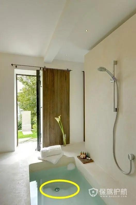 卫生间小还羡慕别人有大浴缸?往下挖60公分,小卫浴也能快乐泡澡