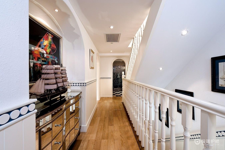 地中海风格别墅楼梯走廊装修效果图