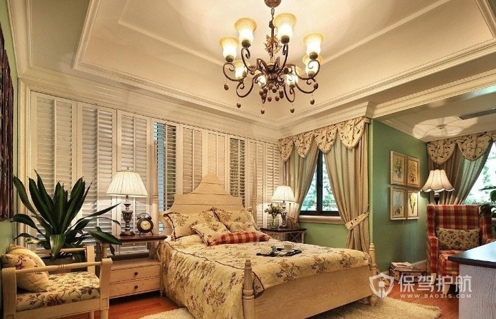 法式田園風溫馨臥室綠色墻面裝修效果…