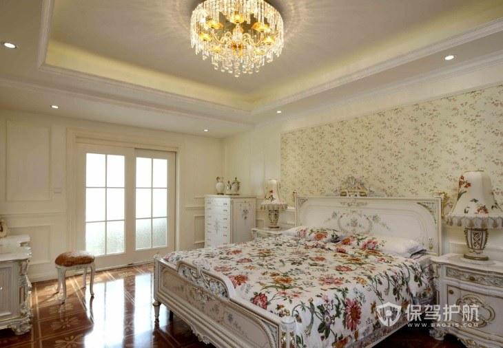 大戶型法式溫馨風臥室碎花壁紙裝修效…