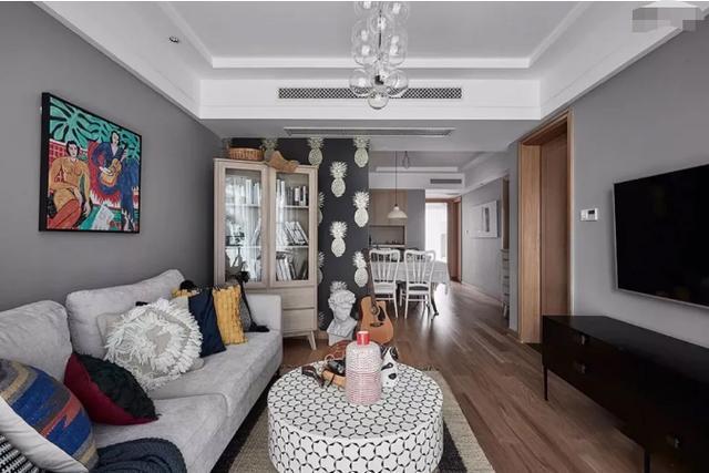 嫌买的89㎡精装房太丑,花20万重新改造,两间卧室一间储物,爽爆