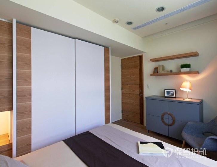 现代简约风卧室定制实木衣柜装修效果…