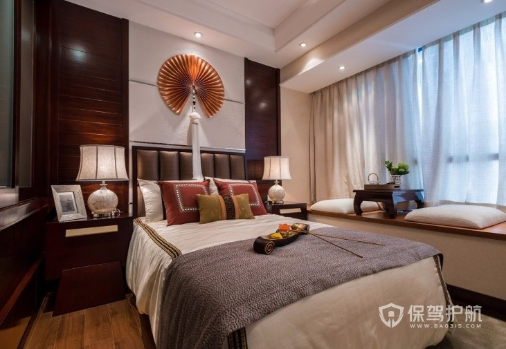 新中式卧室带流苏扇子装饰背景墙效果…
