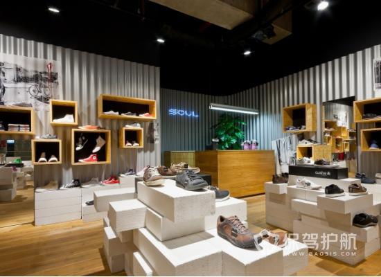 52平米简约风格鞋店装修实景图