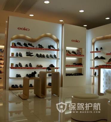 40平米简约风格鞋店装修实景图