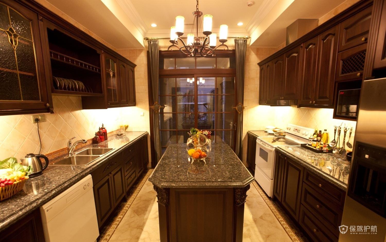 古典欧式别墅厨房装修效果图