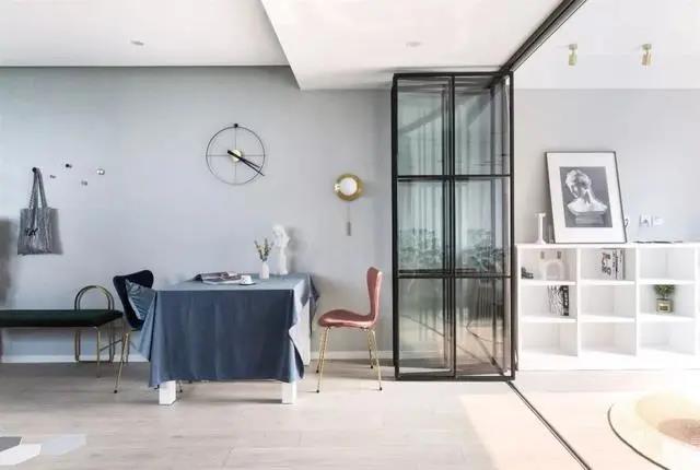 60㎡北欧风装修设计,折叠餐桌+隐形床,一房当两房用!