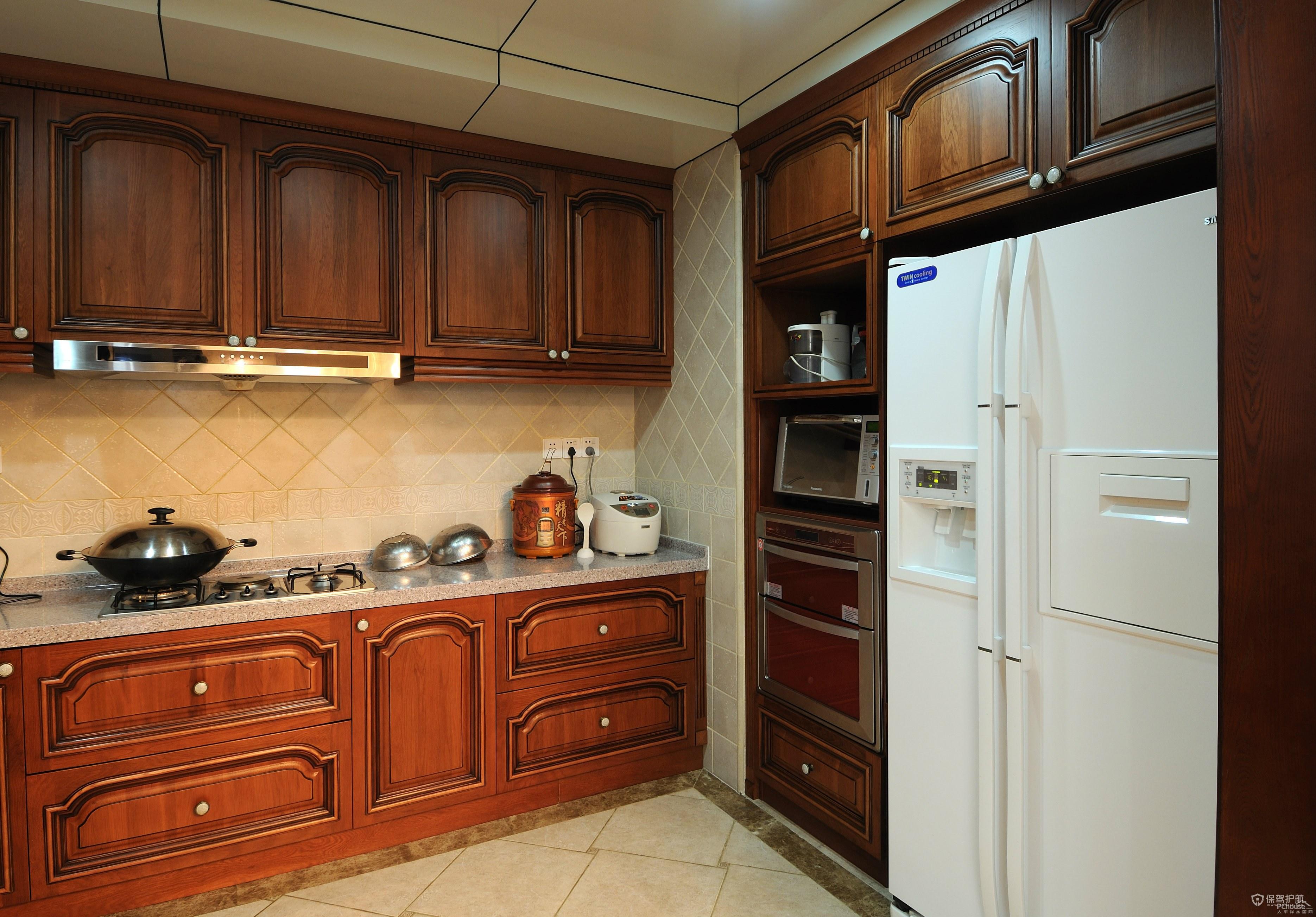 欧式风格别墅厨房装修效果图